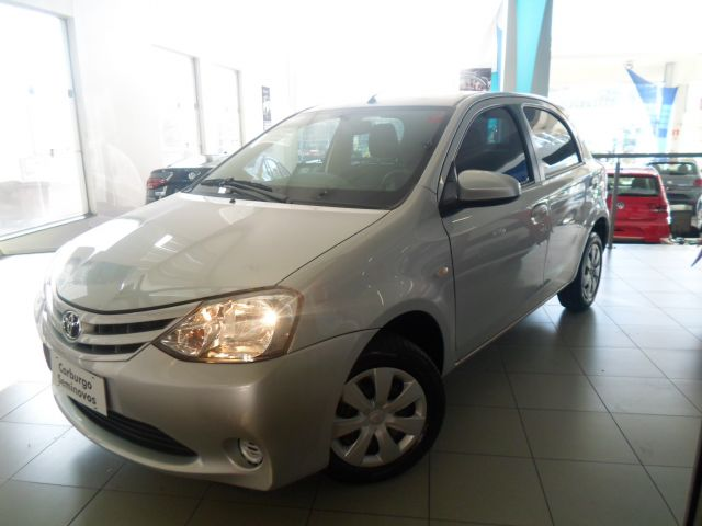 etios xs mt 1.5 16v flex 2016 caxias do sul